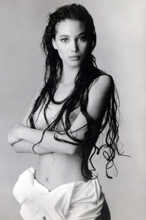 classics:  deadgirls:  thingsthatexciteme: Christy Turlington